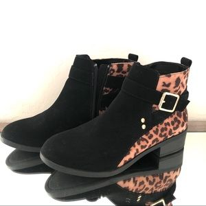 🆕 Black And Cheetah Print Booties